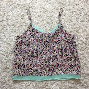 ✨ NWT Floral Tank Top ✨
